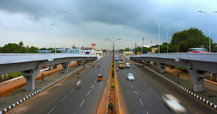 GST Road on a cloudy day. Studies show that people are reluctant take road accident victims to hospital because they want to avoid the excessive police questioning that follows. Credit: Simply CVR/flickr/CC BY-ND 2.0
