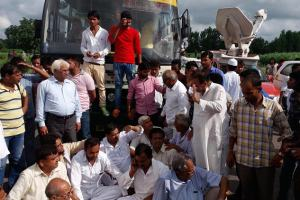 Bulandshahr: People block national highway 91 in Bulandshahr against the rape of a woman and her daughter on Sunday. Credit: PTI