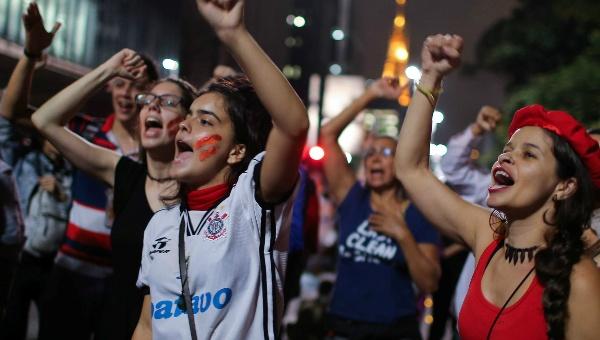 2016-05-12t023905z_1_lynxnpec4b05j_rtroptp_4_brazil-politics-jpg_1718483346