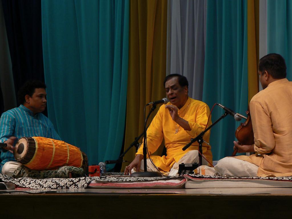 M. Balamuralikrishna performing in Birmingham, Alabama in 2007. Credit: balaji shankar venkatachari/Flickr CC BY-NC 2.0