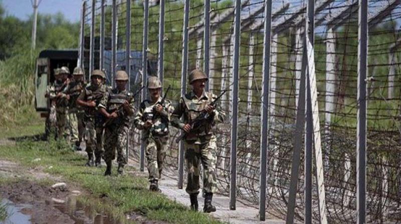 File image of Indian Army jawans patrolling the border. Credit: PTI