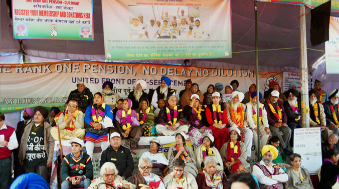 Ex-servicemen and their families at a protest to demand the implementation of OROP at Jantar Mantar. Credit: PTI/Files