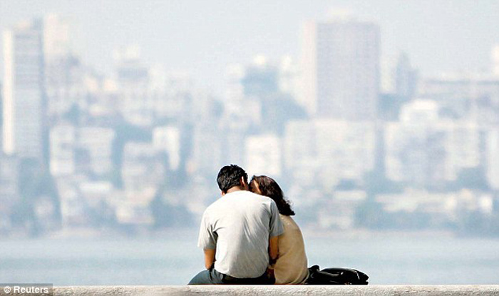 A couple in Mumbai. Credit: Reuters