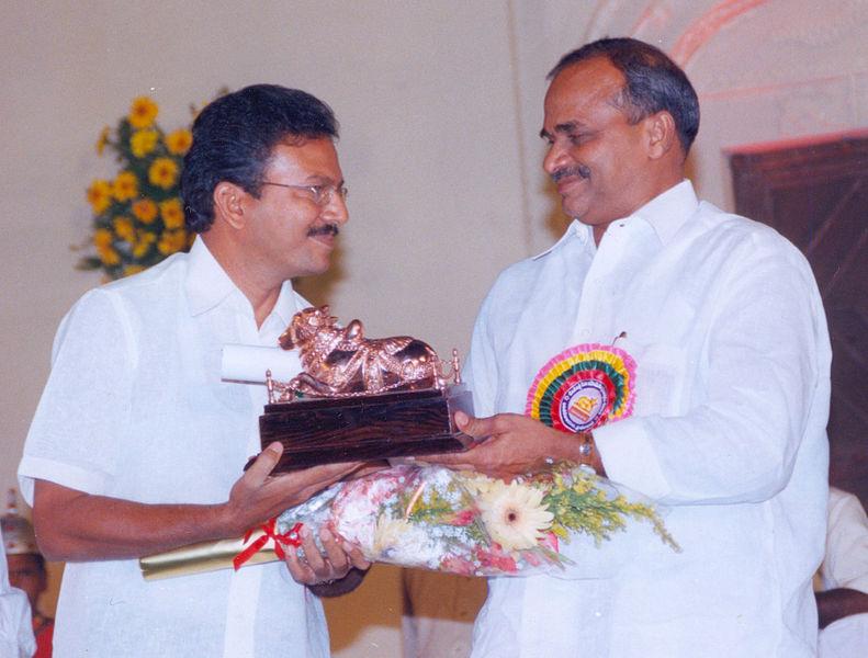 Former Chief Minister YSR Reddy (right) handing the Nandi award to J. Subba Rao. Credit: Wikimedia Commons