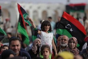 A girl holds a Libyan flag during celebrations marking the third anniversary of Libyan National Army's ÒDignityÓ operation against Islamists and other opponents, in Benghazi, Libya May 16, 2017. Credit: Reuters/Esam Omran Al-Fetori