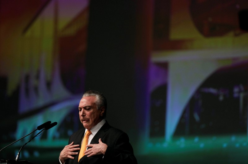 Brazil's President Michel Temer gestures during opening ceremony of the 20th conference of the march in defense of the municipalities, in Brasilia, Brazil May 16, 2017. Credit: Reuters/Ueslei Marcelino