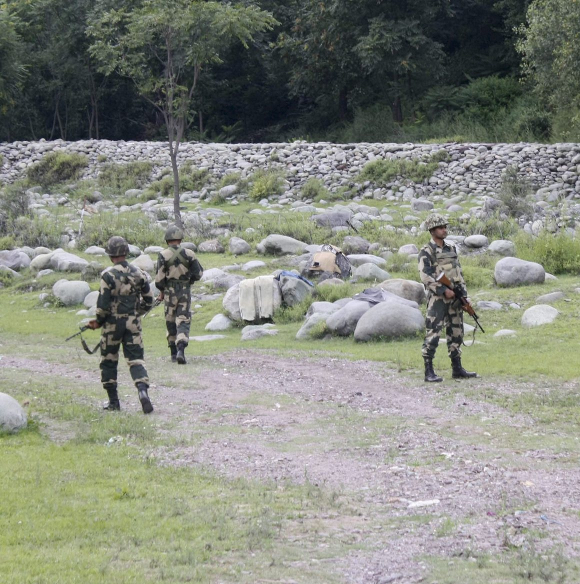 Army jawans in the Poonch district of Jammu and Kashmir on Tuesday. Credit: PTI