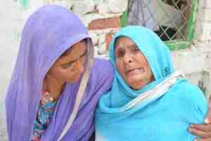 Pehlu Khan's mother (R). Credit: Murali Krishnan