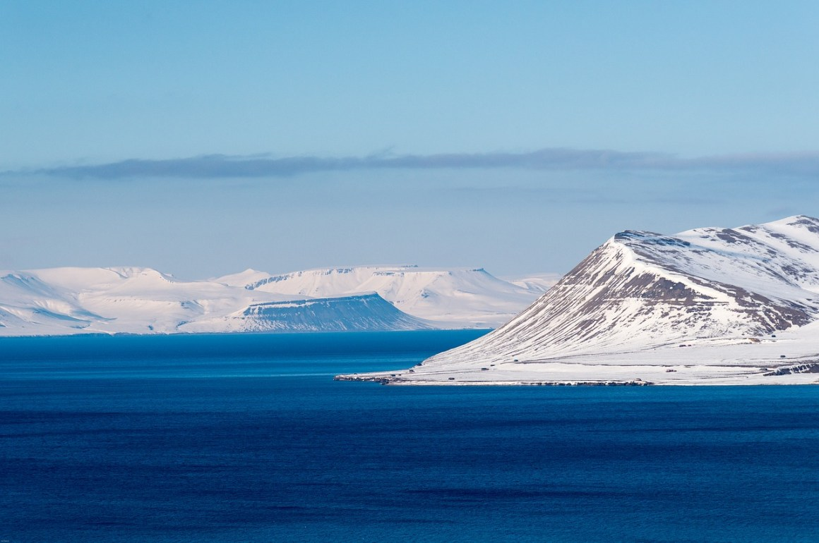 The pristine waters of Svalbard. Credit: htearse/pixabay