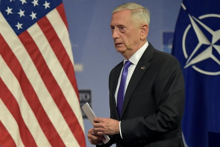 Pentagon Officially Delays Integration of Transgender Enlistees