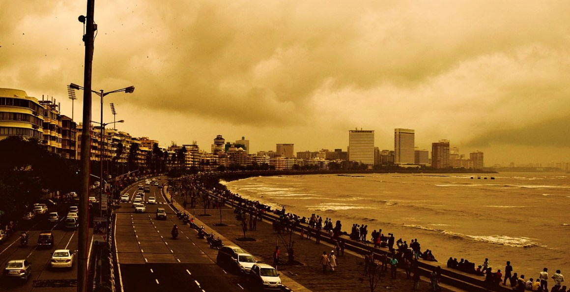 Marine Drive in Mumbai. Credit: Wikimedia Commons