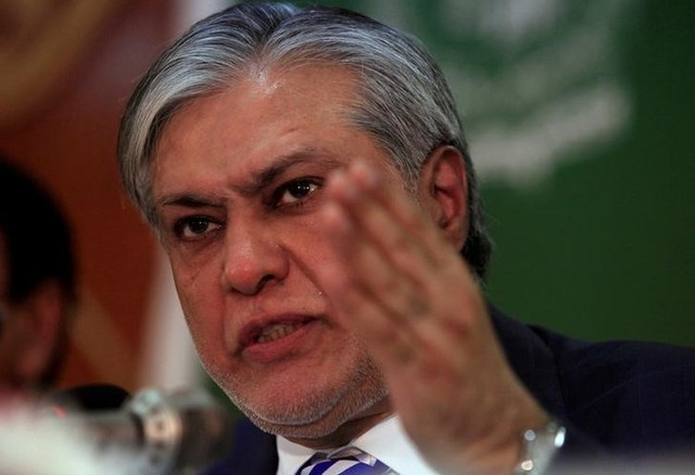 Pakistan's finance minister Ishaq Dar gestures during a news conference to announce the economic survey of fiscal year 2016-2017, in Islamabad, Pakistan, May 25, 2017. Credit: Reuters/Faisal Mahmood/Files