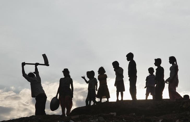 Ninety percent of residents of Gaurhari in rural Bundelkhand do mining and quarrying work. Credit: Reuters/Jitendra Prakash/Files