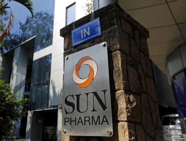 FILE PHOTO: A logo of Sun Pharmaceutical Industries Ltd is pictured at its research and development center in Mumbai, India, December 21, 2015. Credit: Reuters/Shailesh Andrade/File Photo