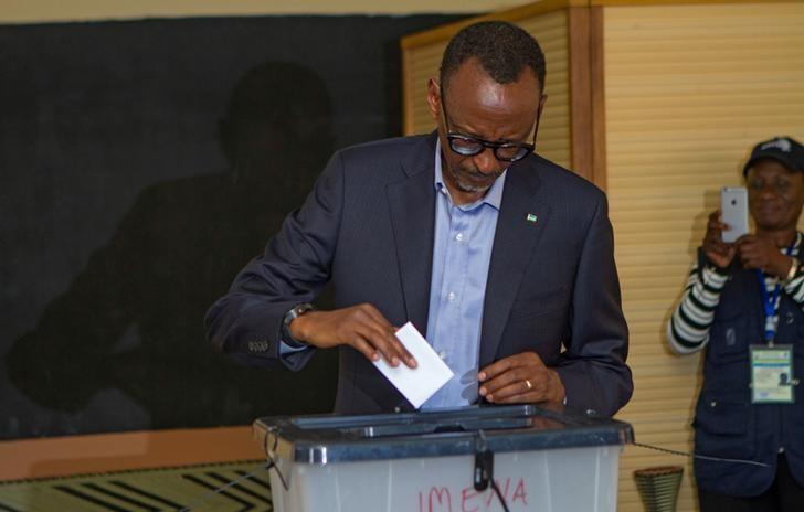 Rwandan President Paul Kagame casts his vote in Kigali, Rwanda, August 4, 2017. Credit: Reuters/Jean Bizimana/Files