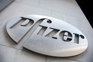 The Pfizer logo is seen at their world headquarters in New York, April 28, 2014. Credit: Reuters/Andrew Kelly/Files