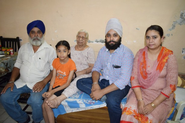Gurbachan Kaur's family who live in Mukherjee Nagar now. Credit: The Wire