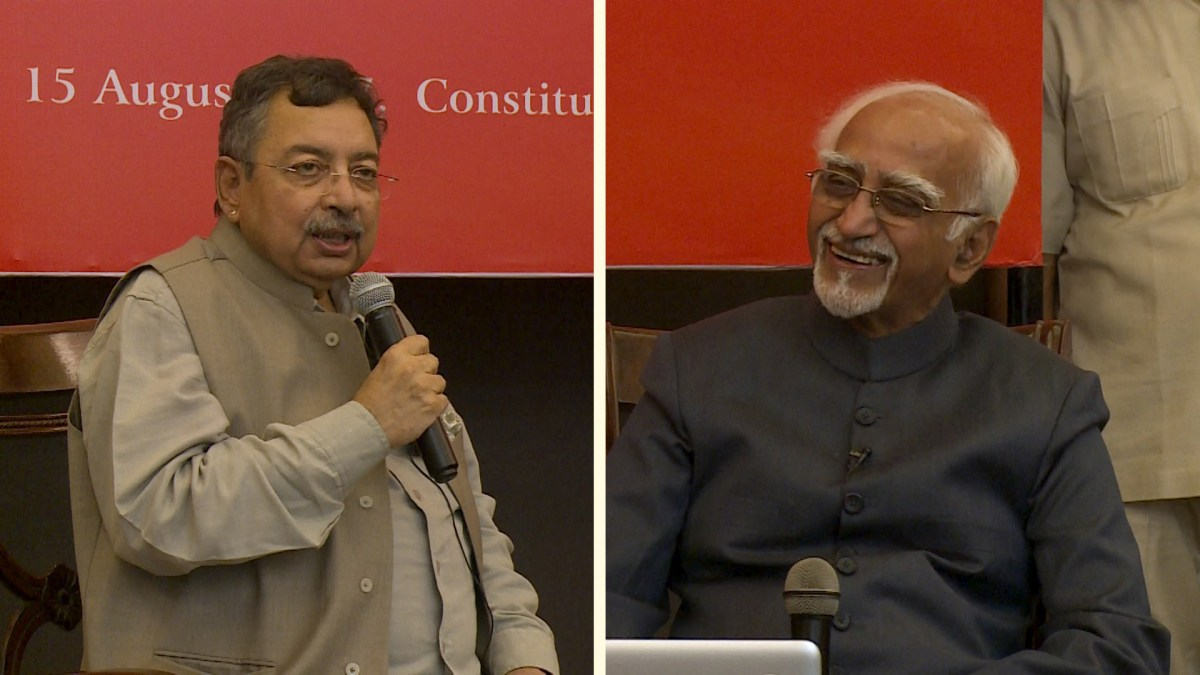 Watch: Vinod Dua Interviews Hamid Ansari at The Wire Urdu Launch