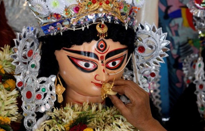 Durga puja immersion. Credit: Reuters