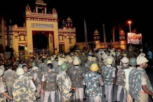Heavy police personnel deployed at Banaras Hindu University where students were holding a protest in Varanasi, late Saturday night. Credit: PTI
