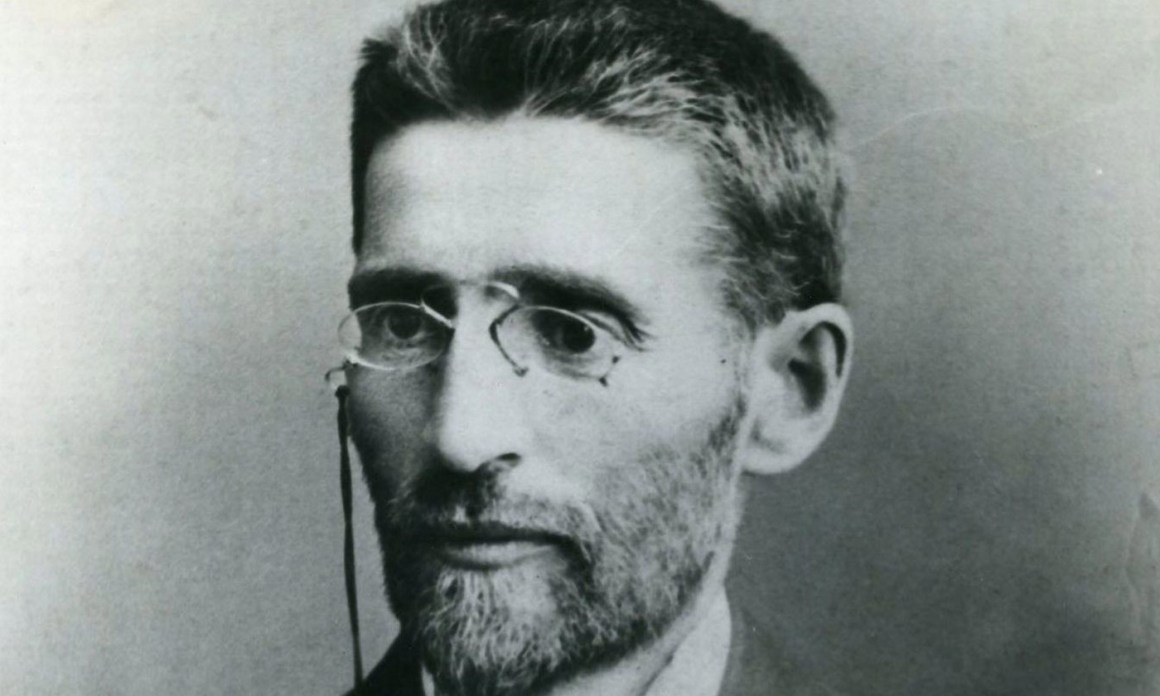 Eliezer Ben-Yehuda in 1905. Photo credit: Wikipedia