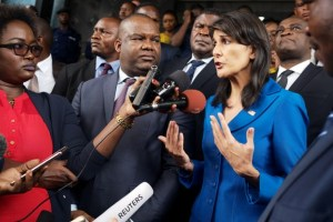 US Ambassador to the United Nations Nikki Haley and President of Congo's electoral commission (CENI) Corneille Nangaa (C) addresses the media at the CENI headquarters in Gombe, Kinshasa, Democratic Republic of Congo, October 27, 2017. Credit: Reuters