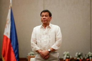 Philippines 'President Rodrigo Duterte stands at attention during a courtesy call with the Association of Southeast Asian Nations (ASEAN) Economic Ministers in Manila, Philippines, September 6, 2017. Credit: Reuters