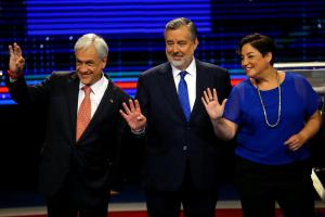 "Chilean presidential candidates attend a live televised debate, (L-R) Sebastian Pinera from ""Chile Vamos"" (Let's Go Chile) coalition, Alejandro Guillier from government coalition and Beatriz Sanchez from ""Frente Amplio"" (Wide Front) coalition, in Santiago, Chile November 6, 2017. Credit: Reuters/Ivan Alvarado"