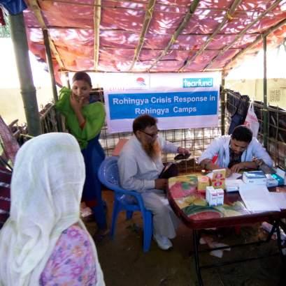 Rohingya refugees being treated by an NGO at Balukhali. Credit: Rajeev Bhattacharyya
