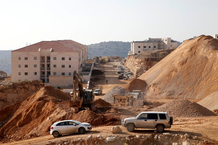 FILE PHOTO: A construction site is seen in the Israeli settlement of Beitar Ilit, in the occupied West Bank December 22, 2016. REUTERS/Baz Ratner