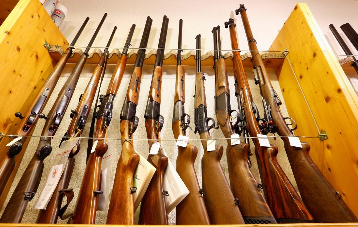 Sporting guns are displayed at Wyss Waffen gun shop in the town of Burgdorf, Switzerland August 10, 2016. Picture taken August 10, 2016. REUTERS/Arnd Wiegmann
