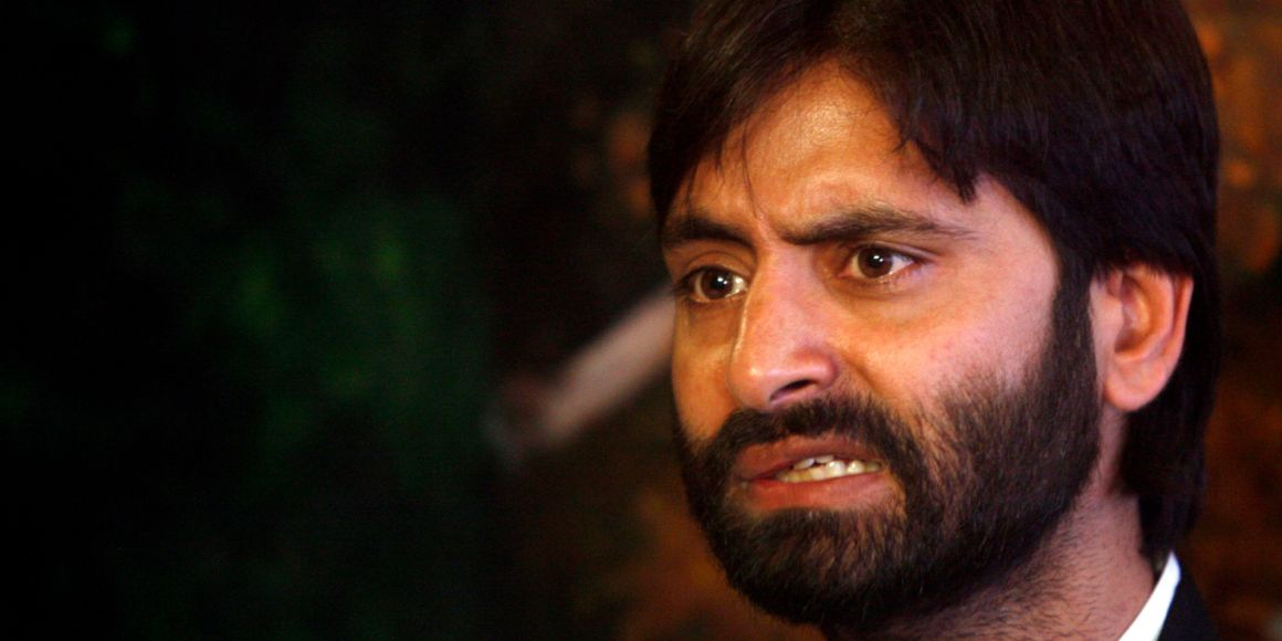 Mohammad Yasin Malik, chairman of Jammu Kashmir Liberation Front (JKLF), speaks during a news conference in Srinagar April 18, 2007. JKLF, which declared a ceasefire in 1994 against Indian security forces, says it leads a political struggle for Kashmir's complete independence both from India and Pakistan, who claim the region in full but rule in parts. REUTERS/Fayaz Kabli (INDIAN ADMINISTERED KASHMIR)