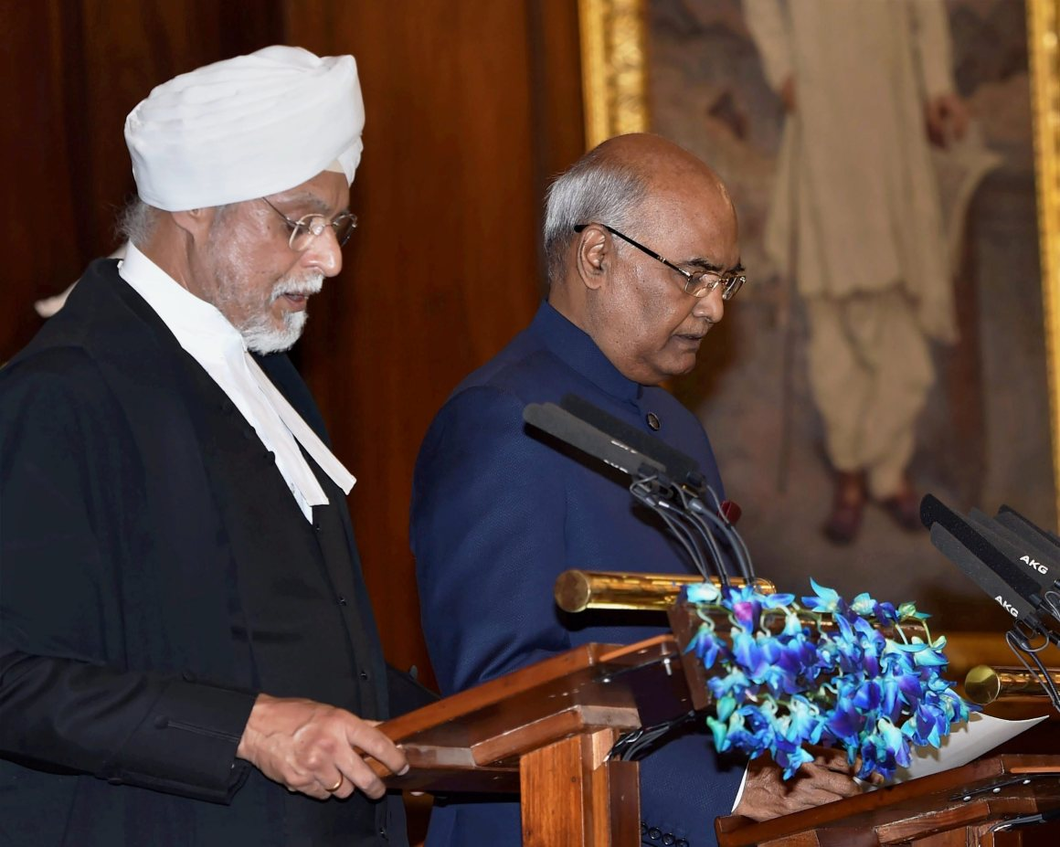 New Delhi: Chief Justice of India, Justice JS Khehar administers oath of office to Ram Nath Kovind as the 14th President of India at a special ceremony in the Central Hall of Parliament in New Delhi on Tuesday. PTI Photo by Shahbaz Khan (PTI7_25_2017_000022A)