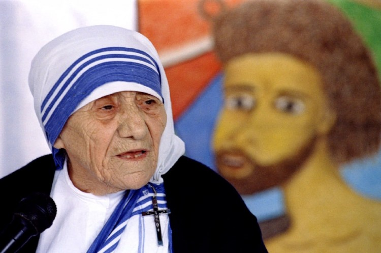 mother-teresa-speaks-meeting-held-by-indian-christians-new-delhi Reuters