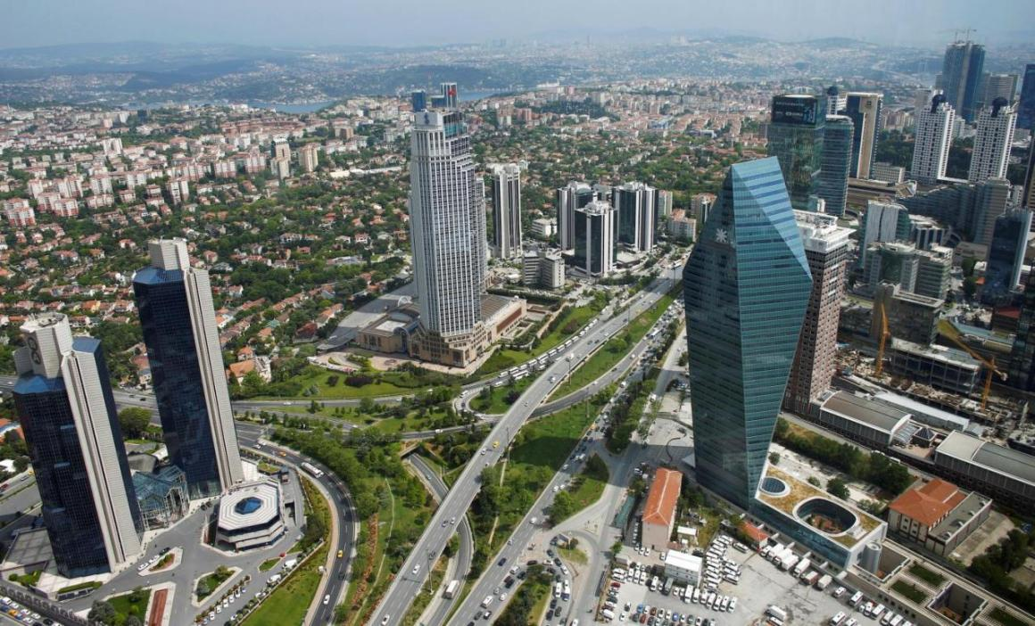 Bussiness and financial district of Levent, which comprises of leading Turkish companies' headquarters and popular shopping malls, is seen from the Sapphire Tower in Istanbul, Turkey May 3, 2016. REUTERS/Murad Sezer