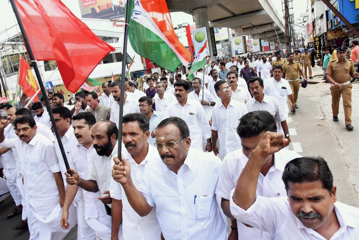 Kochi: Members of The United Democratic Front (UDF) during their rally in Kochi on Monday against what they alleged as the 'anti-people' policies of the Central and State governments. PTI Photo (PTI10_16_2017_000013B)