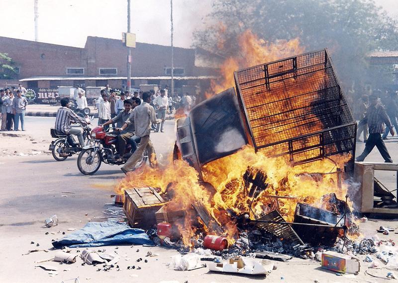 1984, 1993, 2002 के दंगों में अल्पसंख्यकों को निशाना बनाया गया, नेता-पुलिस का था सहयोग: हाईकोर्ट