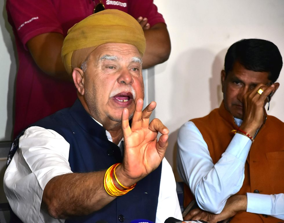 Jaipur: Rajput Karni Sena chief Lokendra Singh Kalvi addresses a press conference on film Padmavat in Jaipur on Saturday. PTI Photo (PTI1_20_2018_000196B)