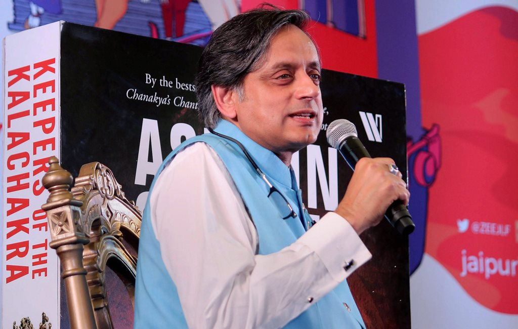 Jaipur: Writer and politician Shashi Tharoor speaks during his session at Jaipur Literature Festival 2018 held at Diggi Palace in Jaipur on Saturday. PTI Photo (PTI1_27_2018_000122B)