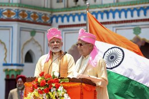Janakpur: Prime Minister Narendra Modi with Nepal Prime Minister Khadga Prasad Oli, during the inauguration of Janakpur-Ayodhya direct bus service, in Janakpur, Nepal on Friday. (PTI Photo / PIB)(PTI5_11_2018_000063B)