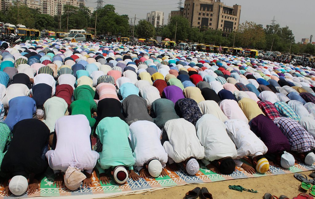 Gurugram: Muslims offer first Friday namaz during the holy month of Ramadan, in Gurugram, on Friday. (PTI Photo) (PTI5_18_2018_000129B)