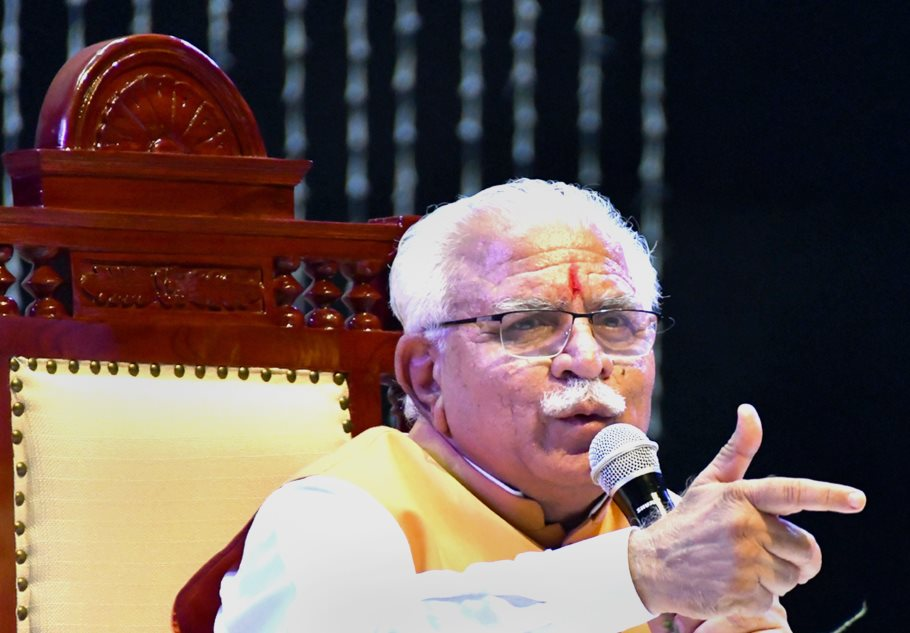 Rohtak: Haryana Chief Minister Manohar Lal interacts with the youths at a programme, in Rohtak on Sunday, June 3, 2018. (PTI Photo) (PTI6_3_2018_000132B)