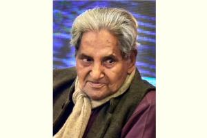 **FILE** Lucknow: In this file photo dated Jan 25, 2016, is eminent poet Gopal Das 'Neeraj'. Gopal Das passed away at AIIMS hospital in Delhi on Thursday, July 19, 2018 due to deteriorating health. (PTI File Photo/Nand Kumar) (PTI7_19_2018_000153B)