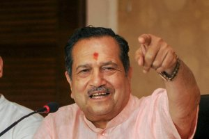 Ranchi: RSS leader Indresh Kumar addresses a press conference, in Ranchi on Monday, July 23, 2018. (PTI Photo) (PTI7_23_2018_000133B)