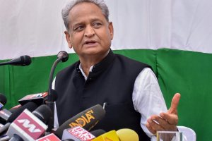 Jaipur: Senior Congress leader Ashok Gehlot addresses a press conference, in Jaipur, Monday, Oct 22, 2018. (PTI Photo) (PTI10_22_2018_000060B)