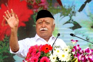 Nagpur: RSS chief Mohan Bhagwat addresses the Vijay Dashmi function at RSS headquaters in Nagpur, Maharashtra, Thursday, Oct 18, 2018. (PTI Photo) (PTI10_18_2018_000036)