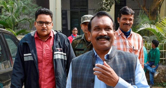 Ranchi: Former Jharkhand Chief Minister Madhu Koda appears before a special CBI court in connection with a money-laundering case, in Ranchi, Wednesday, Dec 12, 2018. (PTI Photo) (PTI12_12_2018_000181B)