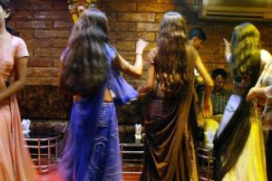 mumbai dancebar reuters