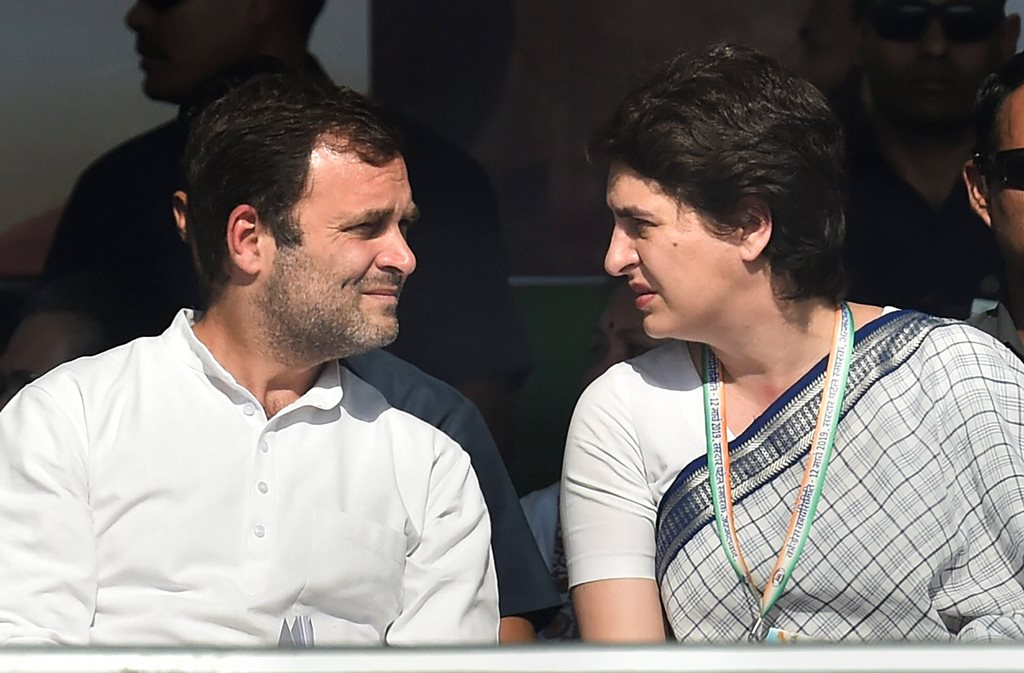 Gandhinagar: Congress President Rahul Gandhi and Congress General Secretary Priyanka Gandhi Vadra during Jan Sankalp Rally, in Gandhinagar, Tuesday, March 12, 2019. (PTI Photo/Santosh Hirlekar)(PTI3_12_2019_000137B)