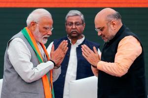 प्रधानमंत्री नरेंद्र मोदी के साथ अमित शाह (फोटो: रॉयटर्स)